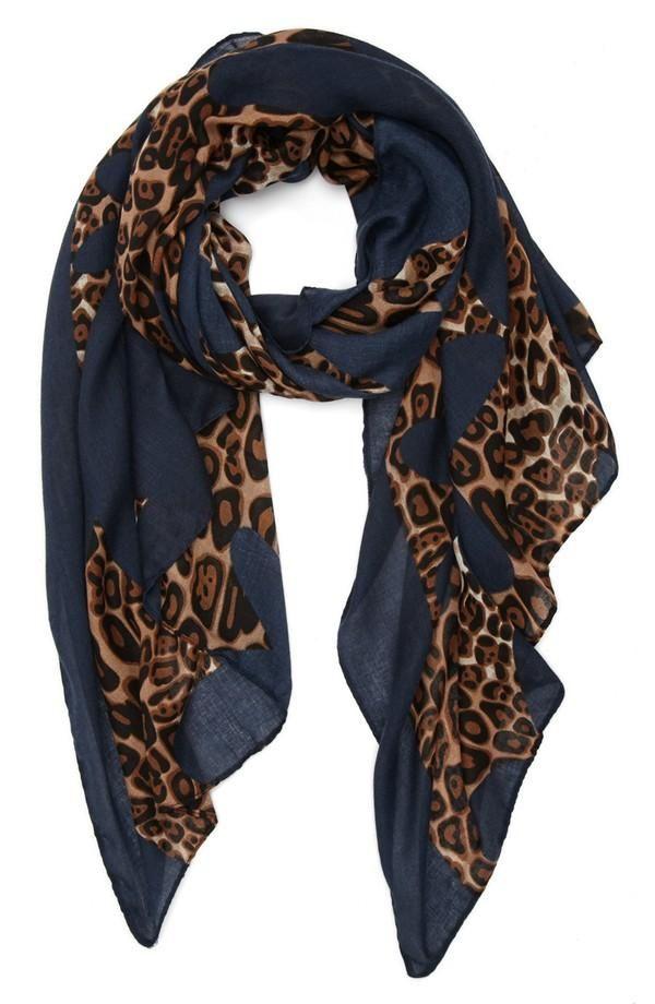 3696a757f5391c63d8ff3b14d09835da - Leopard Shawl (Blue)